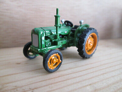 Oxford Fordson Tractor Green • 2.99£