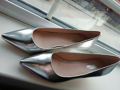 DOROTHY PERKINS Metallic Silver Pointed Kitten Heel Shoes Size 6 NEW In BOX • 5£