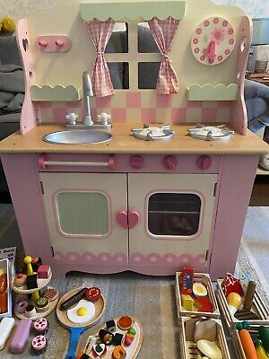 Early Learning Cente Country Cottage Kitchen With All The Food And Accessories • 80£