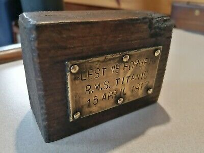 RMS Titanic, Harland & Wolff, Bit Of Wood And A Brass Plaque. Commemorative. NEW • 3.20£