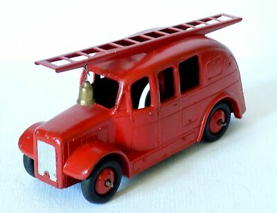 Dinky Toys No.25h Stream Lined Fire Engine (c.1948-49) Red Hubs. • 19.99£