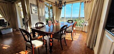 AU400 • Buy Solid Timber Dining Room Table With 8 Chairs Very Good Condition