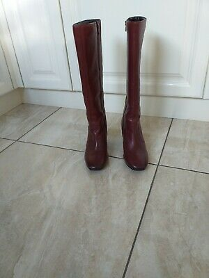 Burgundy Leather Boots Size 5 • 25£