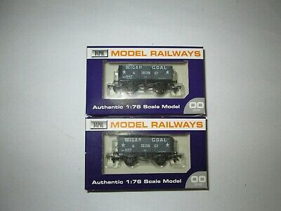 Dapol Oo Gauge B598   ' Wigan Coal & Iron ' 7 Plank Wagon  X 2  Super Rare Item • 29.95£