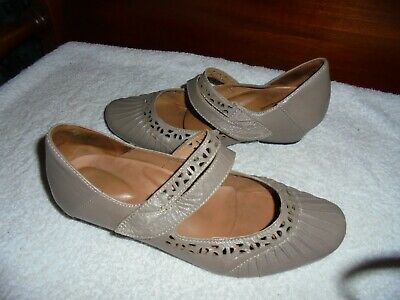 AU59 • Buy Ziera Ladies Taupe Leather Shoes Size 40.5 W  9.5 W Worn Once Ex Condition
