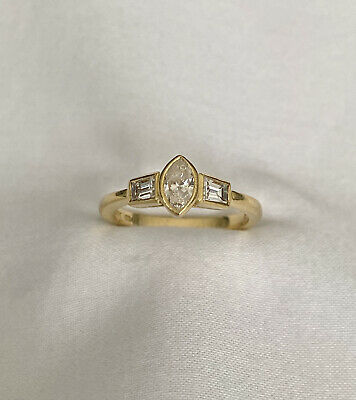 £950 • Buy 18ct Gold Marquise & Baguette Cut Diamond Ring 18K 750.