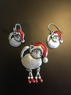 Novelty Christmas Cat Brooch With Matching Earrings • 1£
