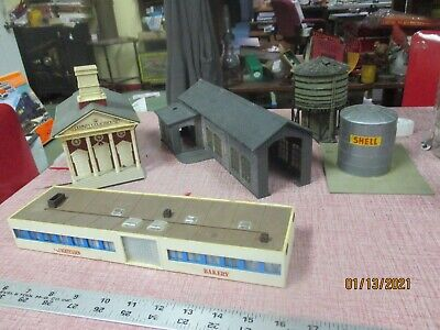 $ CDN40.55 • Buy Mixed Lot Of  5 Pieces Vintage HO Scale Model Train Railroad Accessory Building
