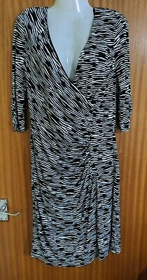 Coast Black & White Bodycon Straight Knee Length Wrap Dress Size 16 • 9.50£