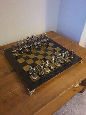 Medieval Style Metal Chess Set • 145£