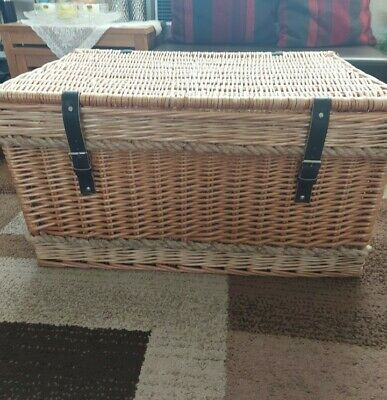 Large Humper Wicker Basket With Leather Straps.. EMPTY.. USED! • 30£