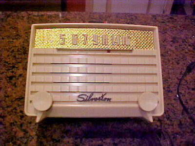 $ CDN74.85 • Buy Vintage 1953 Silvertone Tabletop Tube Radio Model 2004 -works Fine