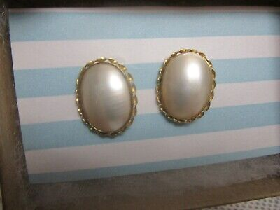 $160 • Buy 14k Yellow Gold 585 Oval Shape Mabe Pearl Earring Studs