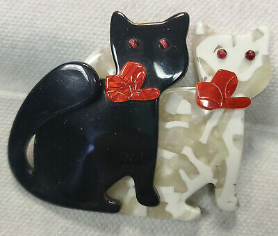 £64.70 • Buy Vintage LEA STEIN Paris BLACK & WHITE Cats RED Ribbons PLASTIC BROOCH PIN
