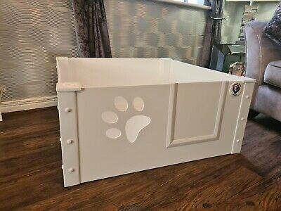Puppy Dog Whelping Box / Pen With Perspex Paw Window Size Small 90cmx90cmx40cm. • 170£