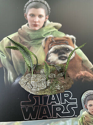 $ CDN34.29 • Buy Hot Toys MMS551 Star Wars Endor Leia & Wicket Stand Diorama Forest Effect Single