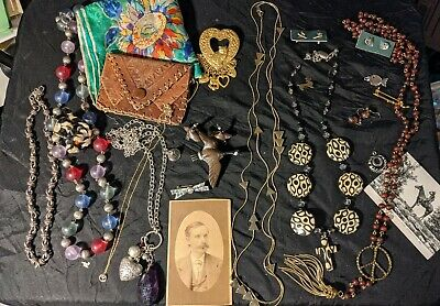 $ CDN25.73 • Buy Lot #326 Mixed Lot, Vintage ESTATE Jewelry, Coin Purse, Pictures++