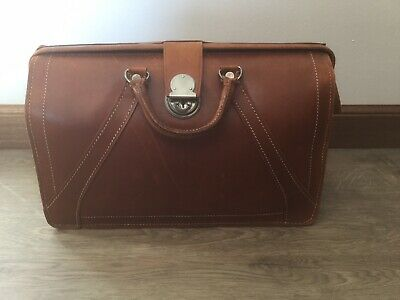 Leather Briefcase/ Doctors Bag Used • 18£