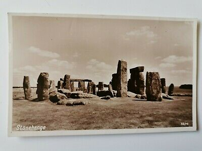 Vintage Postcard Showing  Stonehenge , Posted 1951, Wiltshire • 2.50£