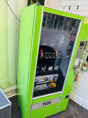£825 • Buy Drinks And Sweets  Vending Machine