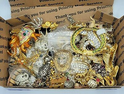 $ CDN207.06 • Buy VTG JUNK Lot Jewelry ALL ANIMALS BUG INSECTS Craft Harvest LOTS OF RHINESTONES