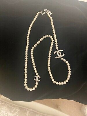 £800 • Buy Chanel Long Length Pearl And CC Necklace With Receipt