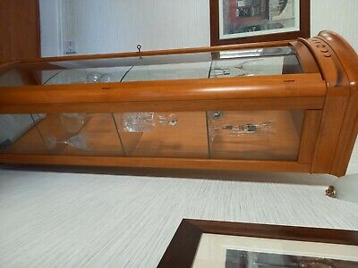 £20 • Buy Display Cabinet Used. Wood And Glass, With 3 Glass Shelves. Italian Import