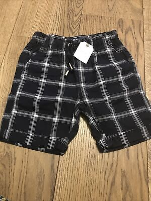 £4.99 • Buy Black And Grey Checked Boys Shorts Brand New With Tags 6-7 Years