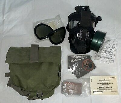 $124.99 • Buy US Military Issue M40 Gas Mask With Bag C2a1 Clear And Smoked Lenses Accessories