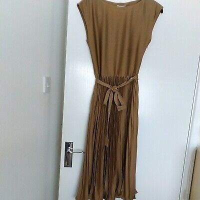 £4 • Buy H&M NWT Dress With Pleated Skirt Gold Bronze 6 8