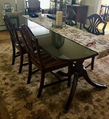 $1200 • Buy Vintage Mahogany Dining Room Table, With 6 Chairs