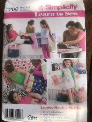 £3.50 • Buy Simplicity Pattern 2200 Learn To Sew Pillow, Tote Bag &Ha Irband Uncut Schewe