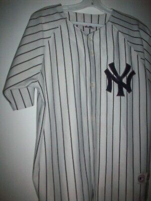 $8.50 • Buy New York Yankees Jersey, Size Youth 14-16