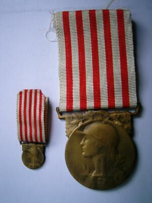 £24.99 • Buy Great War WWI French Bronze Medal Military 1918 Republic France & Miniature Pair
