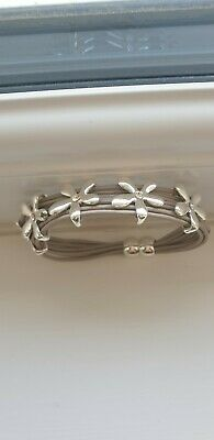 £6.99 • Buy ** Gorgeous Grey Daisy Magnetic Leather Cord Bracelet **