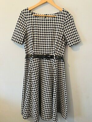 £11.99 • Buy M&S Fit And Flare Dress Size 12 Black And White Dog Tooth Pattern Belted Work
