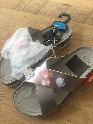 £2.99 • Buy Girls Silver & Pink Sliders/Sandals. Size 5. Brand New