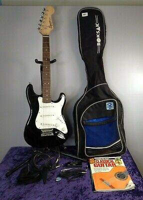 £5 • Buy Fender Squire Mini 3/4 Childrens Electric Guitar With Stands & Case