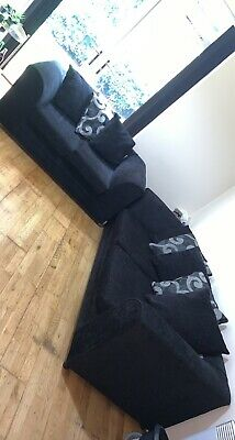 £300 • Buy Black 3 + 2 Seater Fabric Sofa In Immaculate Condition (DELIVERY AVAILABLE)