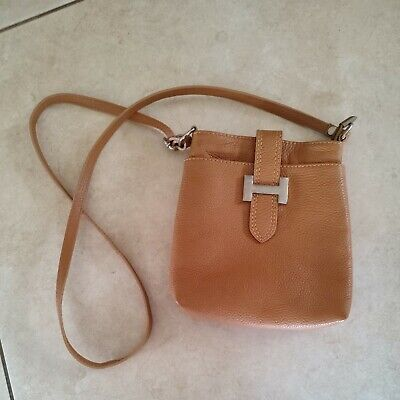 £5 • Buy Tan Made In Italy Small Crossbody Leather Cross Body Bag.