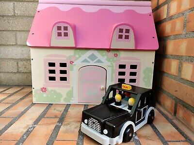 £13 • Buy Early Learning Centre - Rosebud Village Rosebud Cottage With Wooden Taxi Used