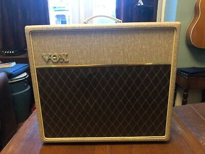 £50 • Buy Vox AC15HW1 Hand-Wired 2-Channel 15-Watt 1x12  Guitar Combo, Used