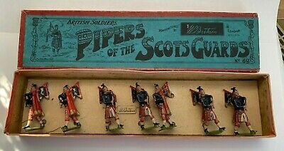 £45 • Buy Britain Soldiers Pipers Of The Scots Guards No. 69