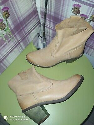 £24.99 • Buy Womens Clarks Midnight Tan Soft Leather Block Heel Ankle Boots UK 5.5 D NEW