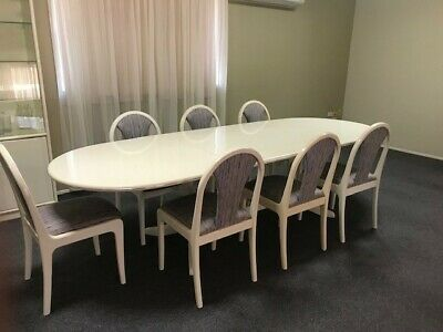 AU250 • Buy Used Extendable Dining Table And Chairs