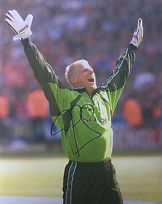 Peter Schmeichel Image E Hand Signed 10x8 Photo UACC Registered Dealer AFTAL • 67.99£