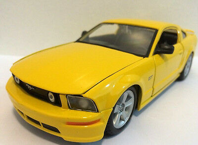 $15.95 • Buy Maisto 2006 Ford Mustang GT 1:24 Scale 8  Diecast Are Model Yellow