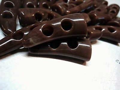 10pcs BROWN BABY HORN TOOTH TOGGLES ITALIAN PLASTIC BUTTONS 31mm-COAT JACKET • 2.40£