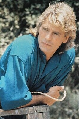 $17.99 • Buy Richard Dean Anderson As Angus Macgyver Macgyver 11x17 Mini Poster Casual Pose