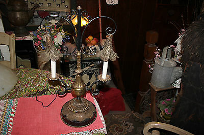 $129.99 • Buy Vintage Spanish Gothic Table Lamp Gilded Gold Metal Leaf Shades 2 Light Lamp